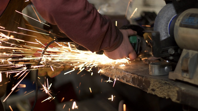 Angle grinder with sparks