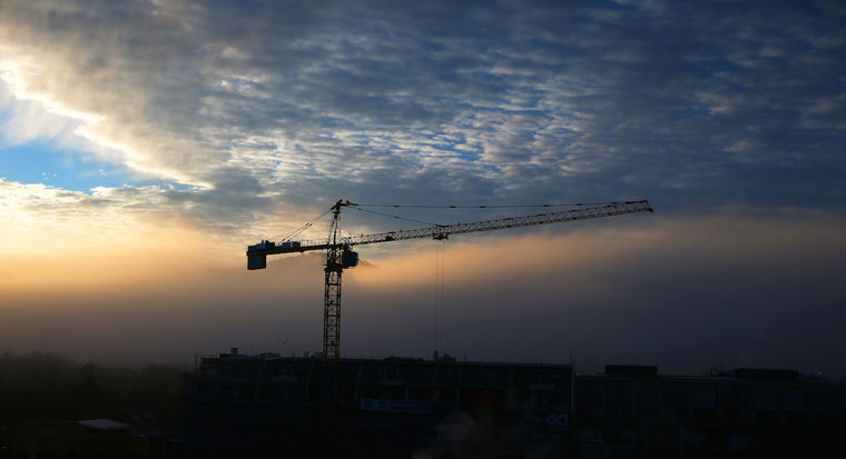 commercial building construction crane